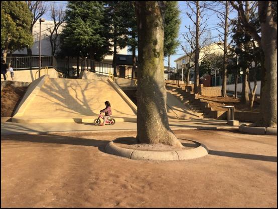 公園で娘と