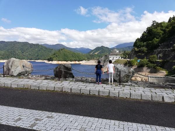 奈良俣ダムの景観