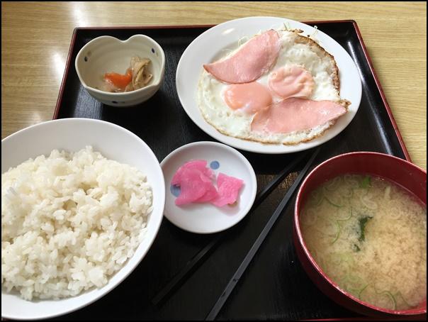 朝ハムエッグ定食
